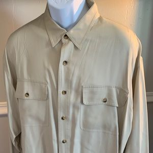 Classic relaxed silk cozy men shirt size Large